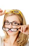 glasögon som slitage kvinnabarn Royaltyfria Bilder