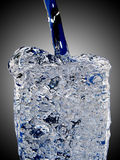 glas冰冷的水 免版税库存照片