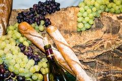 Glas και μπουκάλι κρασιού Στοκ Φωτογραφία