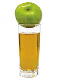 Glas appelsap met groene appel op bovenkant Stock Afbeeldingen