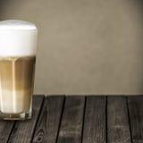 Glas aromatische macchiato Italiaanse koffie Royalty-vrije Stock Foto