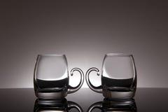 Glas auf einem schwarzen Hintergrund Lizenzfreies Stockfoto