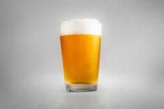 Glas bier stock afbeeldingen