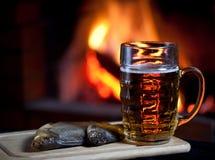 Glas bier en zoute vissen Royalty-vrije Stock Afbeelding