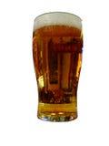 Glas bier met het knippen van weg Stock Afbeeldingen