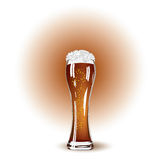 Glas Bier und weißer Schaum Lizenzfreie Stockfotos