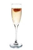 Glas champagne met binnen aardbei Stock Foto's