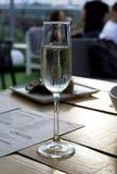 Glas Champagner am Ereignis Lizenzfreie Stockfotografie