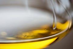 Glas Chardonnay-Weißwein-Abschluss oben Lizenzfreie Stockbilder