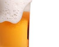 Glas der Biernahaufnahme Stockfotos