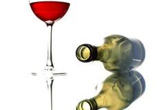 Glas des Rotweins und der Flasche Lizenzfreie Stockbilder