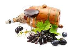 Glas des Weins, des Fasses und der Flasche Lizenzfreies Stockfoto