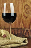 Glas en cork van fijne Italiaanse rode wijn Royalty-vrije Stock Afbeelding