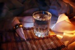 Glas en servet Royalty-vrije Stock Foto's
