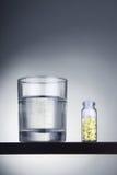 Glas en tabletten Royalty-vrije Stock Foto