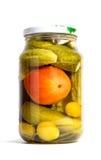 Glas in Essig eingelegte Gurken und Tomaten Stockfotos