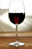 Glas fijne Italiaanse rode wijn Royalty-vrije Stock Afbeeldingen
