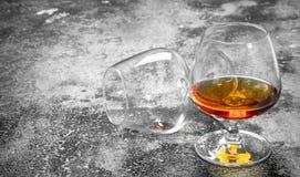 glas Franse cognac royalty-vrije stock afbeeldingen
