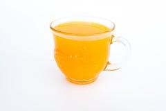 Glas frischer Orangensaft auf weißem Hintergrund Stockfotos