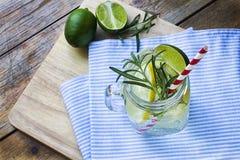 Glas gefrorene selbst gemachte Limonade Lizenzfreie Stockfotos