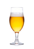 Glas helles Bier mit dem Schaum lokalisiert auf Weiß Stockbild
