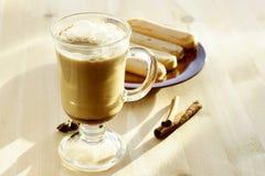 Glas Kaffee lizenzfreie stockfotos