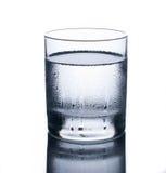 Glas kaltes Wasser Stockfotos