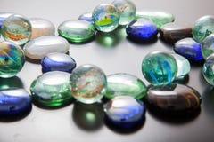 Glas marmeren ballen en glaskiezelstenen Royalty-vrije Stock Foto