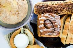 Glas melk en brood Stock Afbeelding