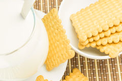 Glas melk met koekjes Royalty-vrije Stock Afbeelding