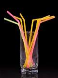 Glas met buisjes voor een cocktail Royalty-vrije Stock Foto's