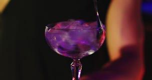 Glas met ijs Ik houd van u stock videobeelden