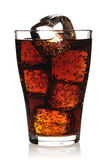 Glas met kola Royalty-vrije Stock Afbeeldingen