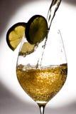 Glas met spash Royalty-vrije Stock Afbeeldingen
