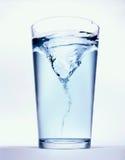Glas met water Royalty-vrije Stock Afbeeldingen