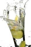 Glas met water en citroen Royalty-vrije Stock Foto's