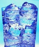Glas met water en ijs Royalty-vrije Stock Fotografie