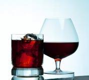 Glas met water en ijs Stock Fotografie