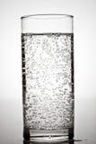 Glas mineraalwater stock foto