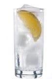 Glas mineraalwater met citroen Stock Afbeelding