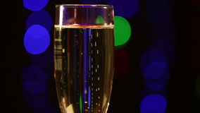 Glas mit Champagner stock video footage