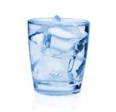 Glas mit Eiswasser stockbilder