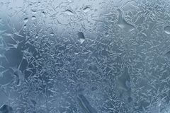 Glas mit Frost und Tropfen Stockfoto