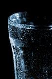 Glas mit Tropfen. Stockfotos