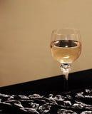 Glas mit Wein Lizenzfreies Stockfoto