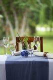 Glas op dinerlijst Stock Foto's