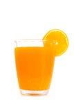 Glas Orangensaft mit den Scheiben orange Lizenzfreies Stockbild