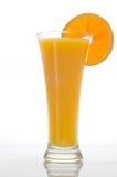 Glas Orangensaft mit Scheibe Lizenzfreies Stockfoto
