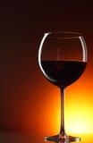 Glas rode wijn stock afbeeldingen