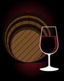 Glas of rode wijn met een eiken vat Stock Foto's
